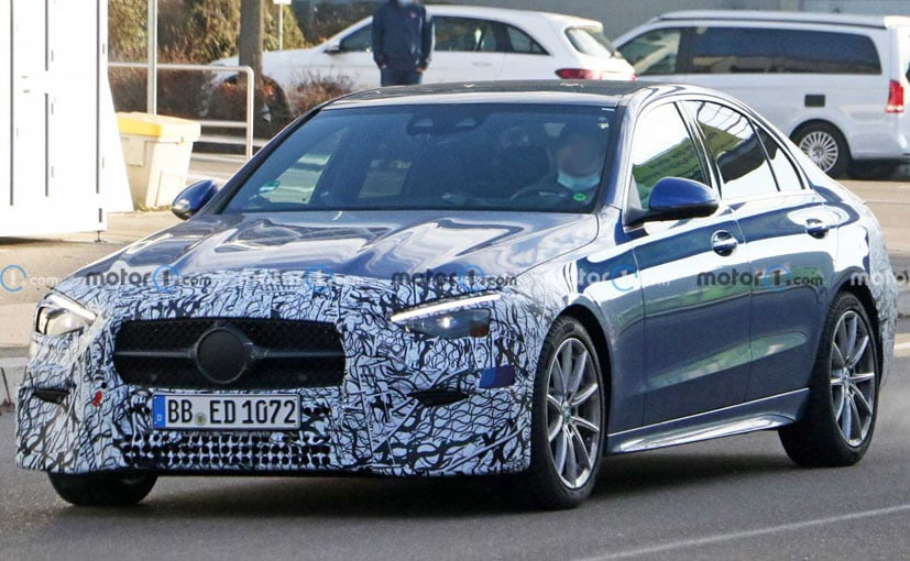 A new test mule of the Mercedes-Benz C-Class was spotted doing rounds in Europe.