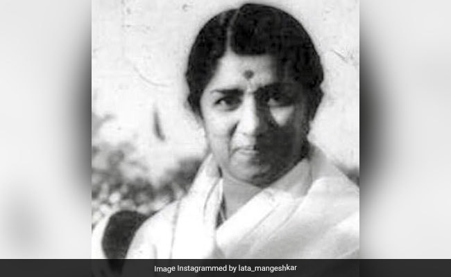 What Lata Mangeshkar's Father Said When She First Sang On Radio 79 Years Ago
