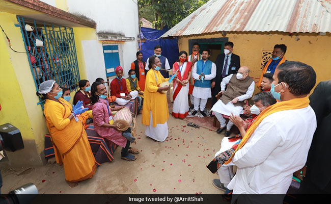 'Couldn't Talk To Him': Folk Singer Who Hosted Amit Shah's Lunch In Bengal