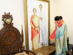 उर्मिला मातोंडकर ने जॉइन की शिवसेना, पिछले साल लोकसभा चुनाव हारने के बाद छोड़ी थी कांग्रेस