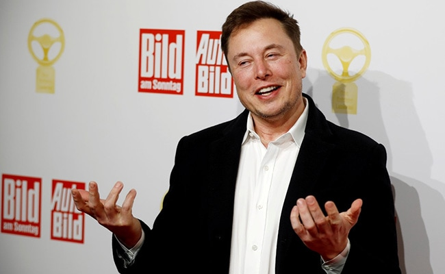 Elon Musk Tweets 'Use Signal' Following WhatsApp Privacy Policy Change to Share Data With Facebook