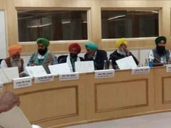 With 'Yes/No' Placards, A Silent Protest From Farmers At Government Meet