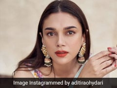 Aditi Rao Hydari's Bright, Colourful <i>Lehenga</i> Sets Major Bridesmaids Goals