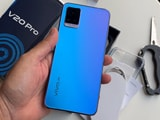 Videos : वीवो वी20 प्रो अनबॉक्सिंग: दो सेल्फी कैमरे और चमकदार डिज़ाइन, लेकिन इतना काफी?