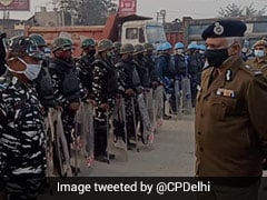 Delhi Top Cop Visits Singhu Border, Reviews Law And Order Situation