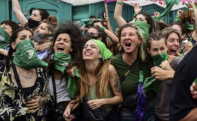 Argentina Passes Landmark Bill Legalizing Abortion