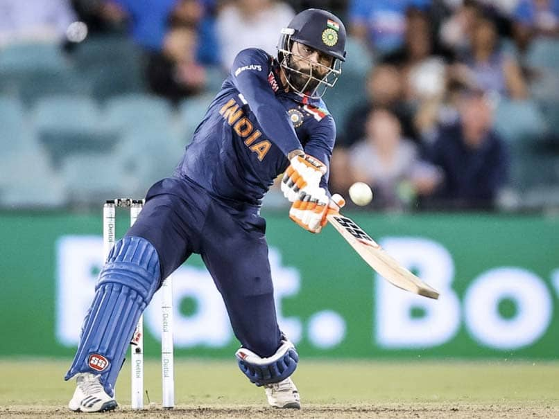 India vs Australia 1st T20I: Justin Langer Has Verbal Spat With Match Referee Over Ravindra Jadeja Concussion Substitution. Watch