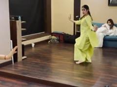 "Janhvi Kapoor ""Hopes"" Her Fans Were ""Amused"" By Her Video Unlike Her Sister Khushi"