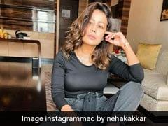 नेहा कक्कड़ ने ब्लैक कलर की ड्रेस में शेयर की फो़टो, लिखा- बेसब्री से 2021 का कर रही हूं इंतजार