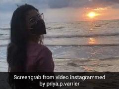 Priya Prakash Varrier समुद्र किनारे कुछ इस अंदाज में आईं नजर, देखें Video