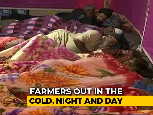 Video : Farmers Brave The Cold, Continue Protests On Day 17