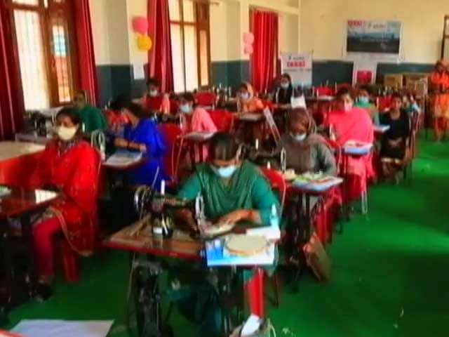 Video : Autonomous Government Bodies Join Hands With USHA Silai School