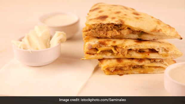 Indian Cooking Tips: How To Make Mumbai-Style Chicken Baida Roti At Home