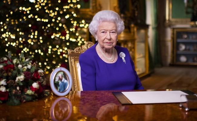 Many Just Want A Hug For Christmas This Year, Says Queen Elizabeth