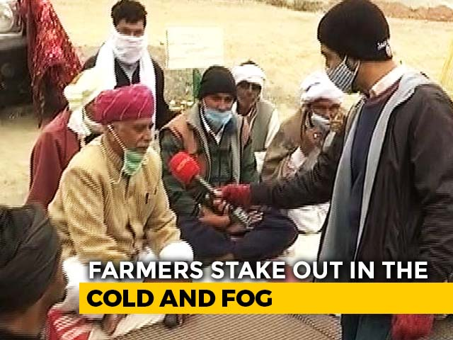 Video : Fog, 12 Degrees, Little Food: Farmers Battle It All At Haryana-Rajasthan Border