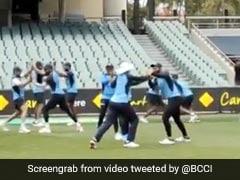Ind Vs Aus: ग्राउंड पर 'कुश्ती' करते नजर आए टीम इंडिया के खिलाड़ी, प्रैक्टिस से पहले दिखा ऐसा अंदाज - देखें Video