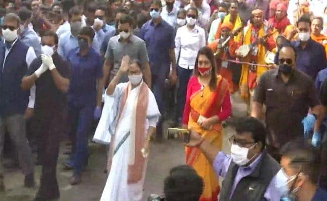 Mamata Banerjee Slams 'Rotten MLAs For Sale', Suvendu Adhikari Hits Back