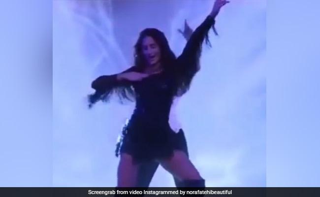 नोरा फतेही ने ब्लैक आउटफिट में किया 'दिलबर' सॉन्ग पर डांस, खूब देखा जा रहा है Video