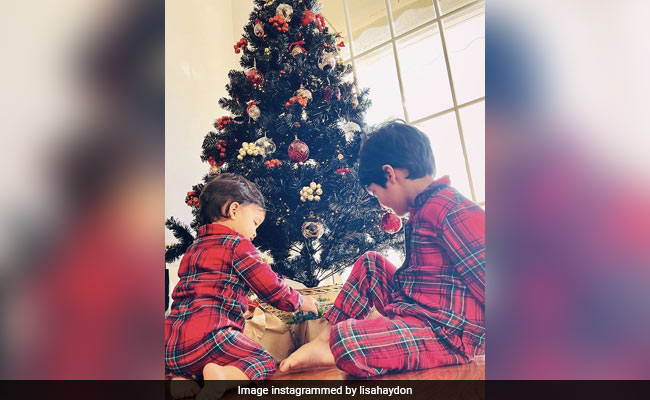 Lisa Haydon Shares A Pic From Sons Zack And Leo's Early Christmas Festivities