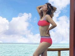 Hina Khan, In Holiday Mood, Adds A Dash Of Pink To A Blue Paradise