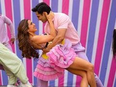 सारा अली खान और वरुण धवन का Mirchi Lagi Toh हुआ रिलीज, Video में नजर आई जबरदस्त केमिस्ट्री