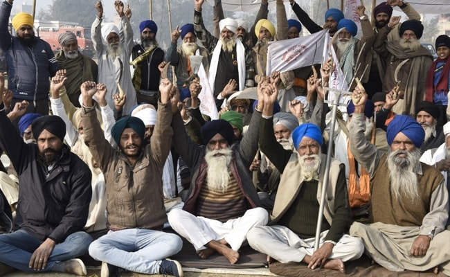 Hold Talks With PM To Get Farm Laws Repealed: Akali Dal, Congress To Farmers