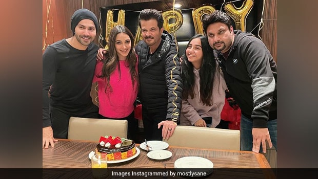 Anil Kapoor Cuts 64th Birthday Cake With Wife And Actors Kiara Advani And Varun Dhawan (See Pics)