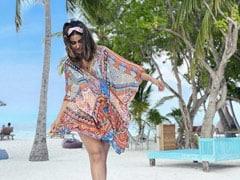 हिना खान ने मालदीव पहुंचकर Beach पर की सैर, Photos में यूं एंजॉय करती आईं नजर