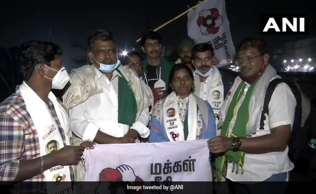 Kamal Haasan's Makkal Needhi Maiam Joins Farmers Protest At Singhu Border