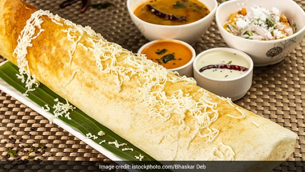 Anand Mahindra Compares Dosa Maker To A Robot, Find Out Who He Thinks Won