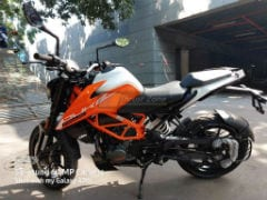 2021 KTM 125 Duke With New Design Spied At A Dealership; Launch Soon