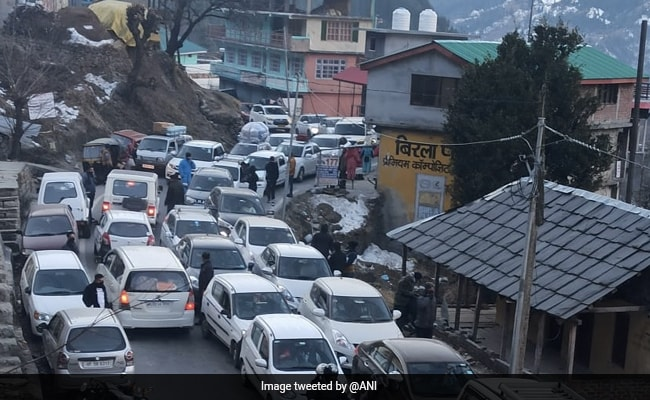Passenger Vehicle Sales Rose 11% To 2.76 Lakh Units In January: Industry Body