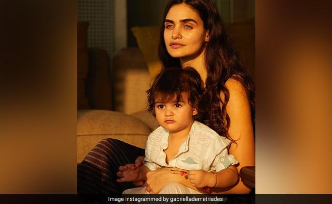 Malaika Arora And Shibani Dandekar Are All Hearts For This Pic Of Gabriella Demetriades With Son Arik