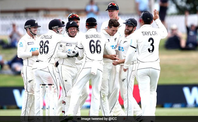 NZ vs PAK: आखिरी दिन के बचे थे 5 ओवर, फिर ऐसे मिली न्यूजीलैंड को जीत, सोशल मीडिया पर हो रही है तारीफ