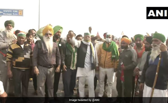 Bharat Bandh LIVE Updates: Amit Shah Meets Farmers Amid Bharat Bandh, Talks Inconclusive