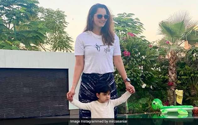 """""""Twinning And Winning..."""": Sanias Cute Pic With Son"""