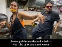 क्रिकेटर युजवेंद्र चहल की मंगेतर Dhanashree Verma ने जलेबी खाते हुए किया डांस, देखें Video