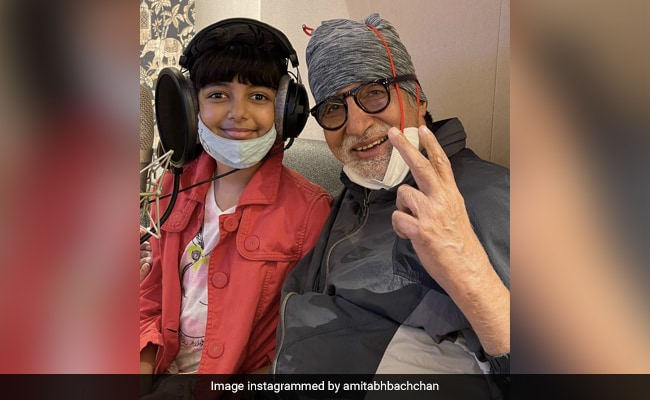 A Glimpse Of Amitabh Bachchan And Granddaughter Aaradhya's Jam Session