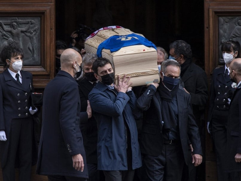 Hundreds Gather To Bid Farewell To Italys 1982 World Cup Hero Paolo Rossi