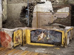 "Well Preserved ""Fast Food"" Bar Unearthed In Pompeii"