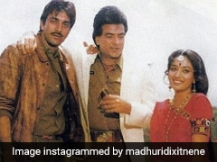 Madhuri Dixit ने संजय दत्त और जीतेंद्र के साथ शेयर की पुरानी फोटो, बोलीं- एक्शन, ड्रामा और ढेर सारा मसाला...