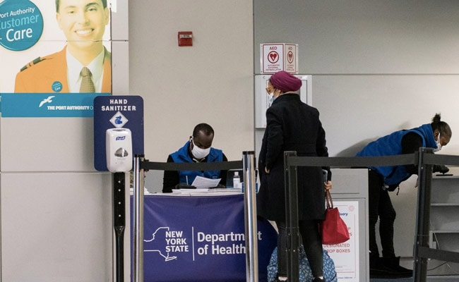 US Says Passengers Arriving From UK Must Test Negative For COVID-19