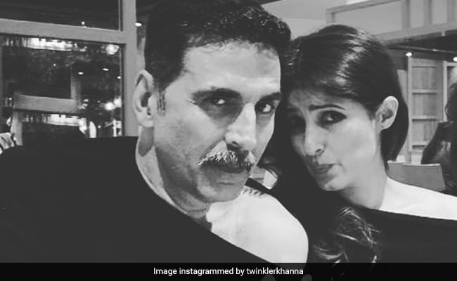 Akshay Kumar 'Makes Fun Of' Wife Twinkle Khanna's Cold Shoulder Outfit But She Gets The Last Laugh