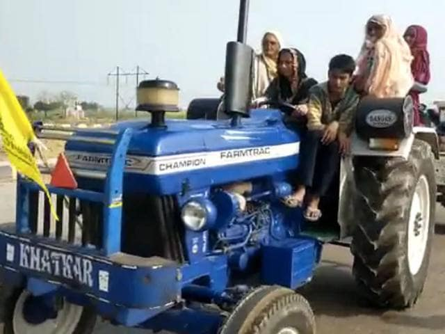 Video : Women Take The Wheel In Haryana To Lead Tractor Rally Against Farm Laws
