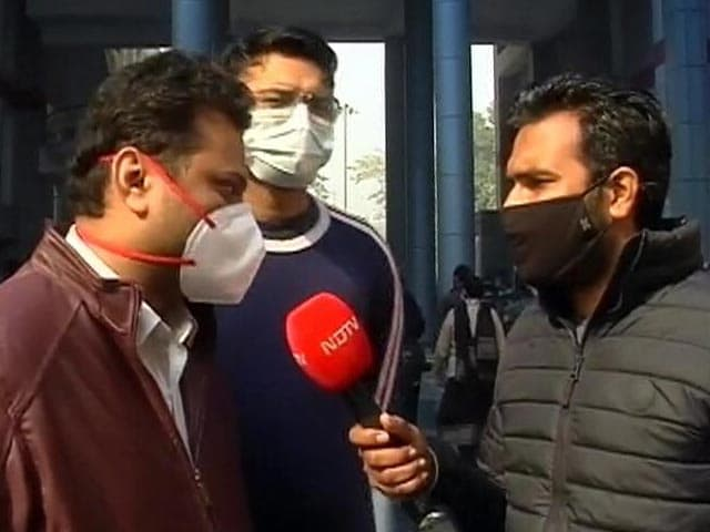 "Video : ""Will Prefer Covishield Over Covaxin"": Delhi Hospital Doctors Concerned"