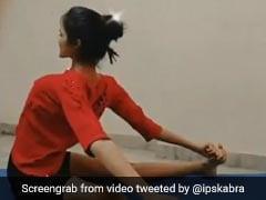 लड़की ने किया ऐसा मुश्किल योग, IPS बोला- इस Wonder Woman में हड्डियां हैं भी या नहीं...देखें Video