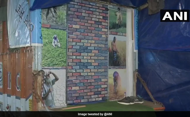 Punjab Farmer Turns Container Truck Into Makeshift Home At Singhu Border
