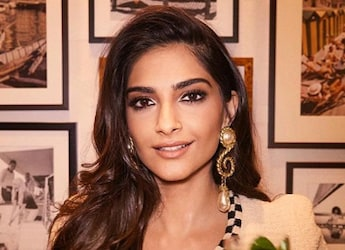 Sonam Kapoor's 'Yummy' Gesture For Friend Is So Relatable - Find It Out