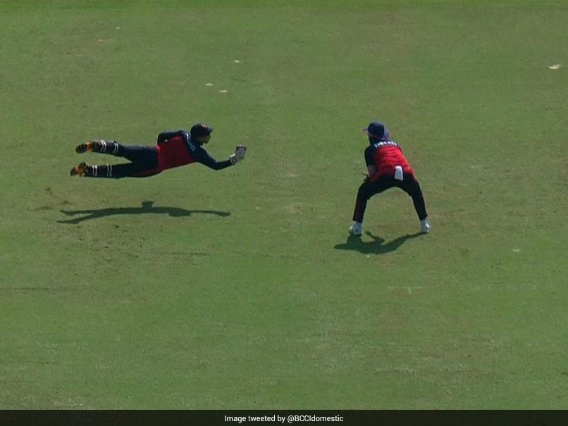 Syed Mushtaq Ali Trophy: Delhi Wicket-Keeper's One-Handed Stunner To Dismiss Mohammed Azharuddeen. Watch   Cricket News