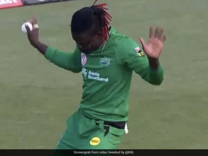 Watch: Andre Fletcher Takes 2 Blinders As Melbourne Stars Beat Hobart Hurricanes